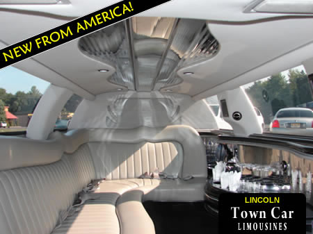 Lincoln Town Car Limousine For Upto 8 Passengers